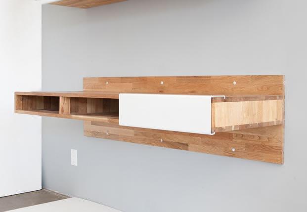 Κρεμαστό γραφείο τοίχου Lax Series της Mash Studios.