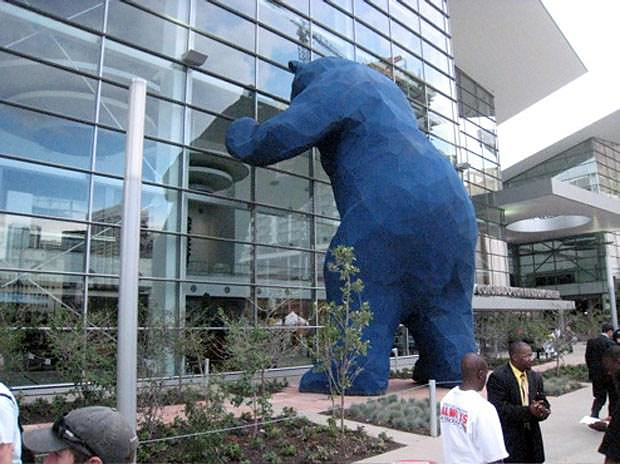 Denver's Big Blue Bear sculpture by Lawrence Argent.