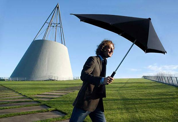 Senz Umbrella, stylish and windproof.