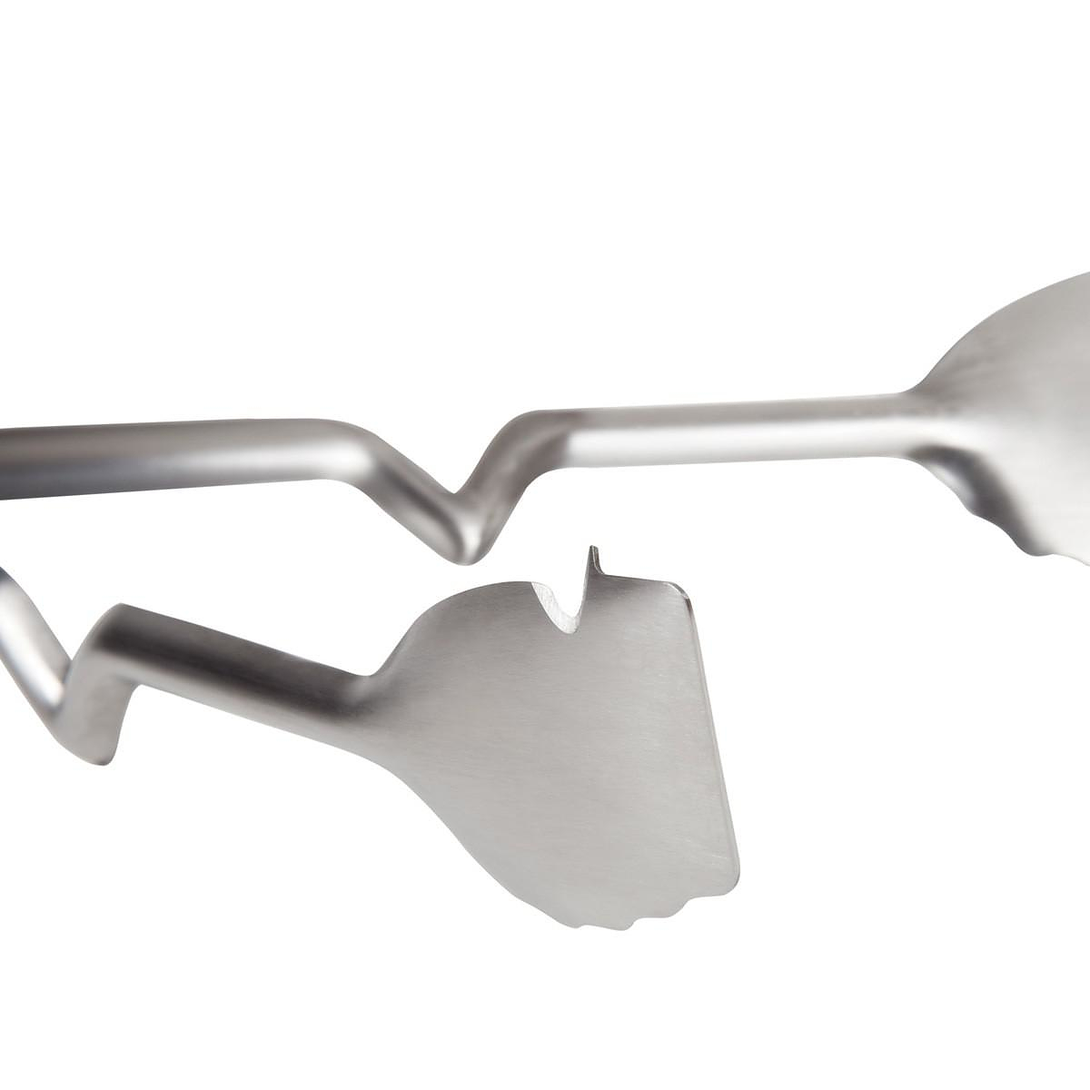Clongs, innovative kitchen tongs by Dreamfarm.