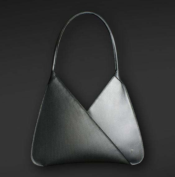 Purisme-carbon-fiber-handbag