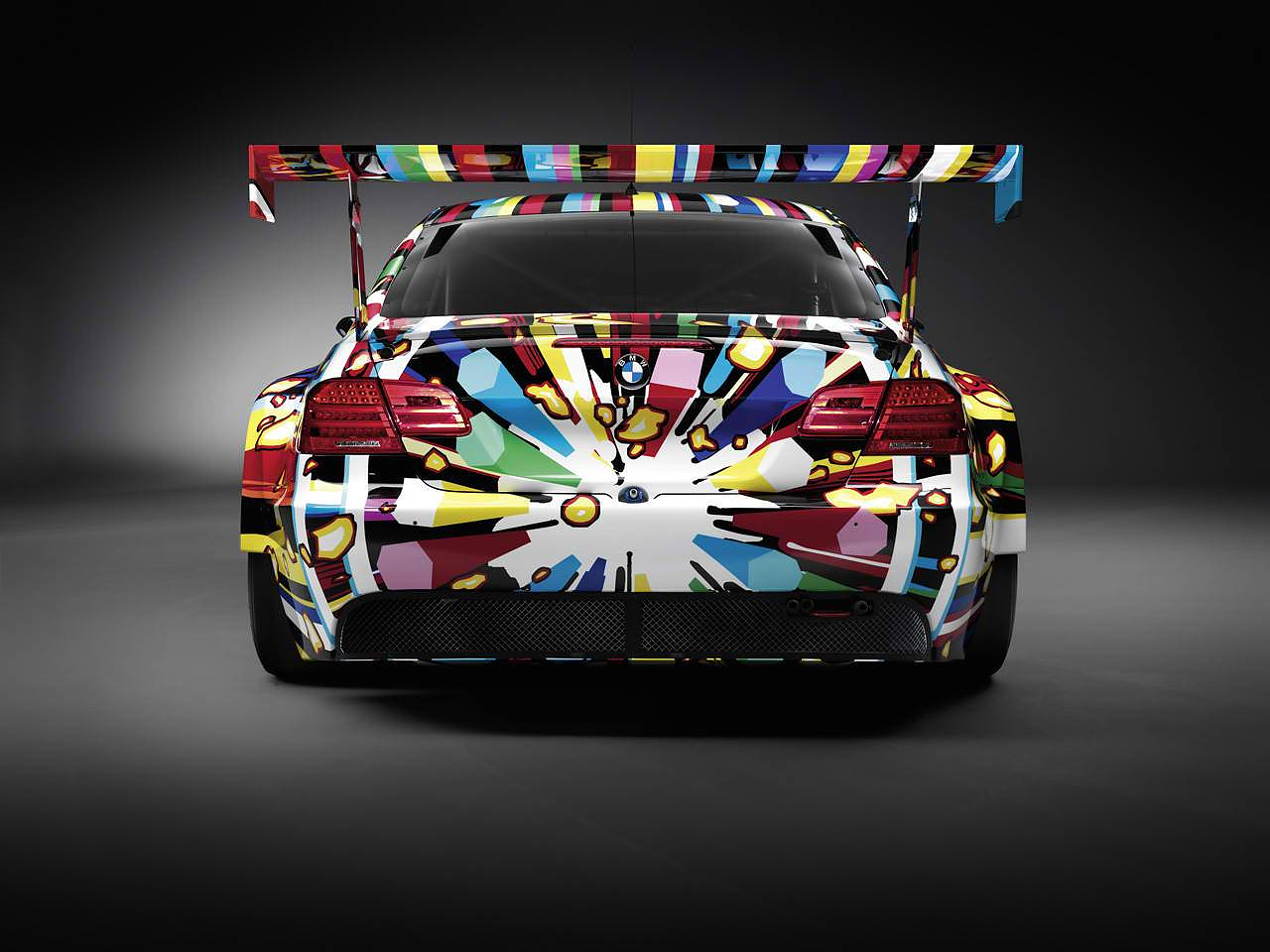 BMW M3 GT2 Art Car by Jeff Κoons.