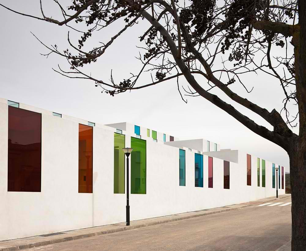 Educational Centre in El Chaparral by Αlejandro Μuñoz Μiranda.