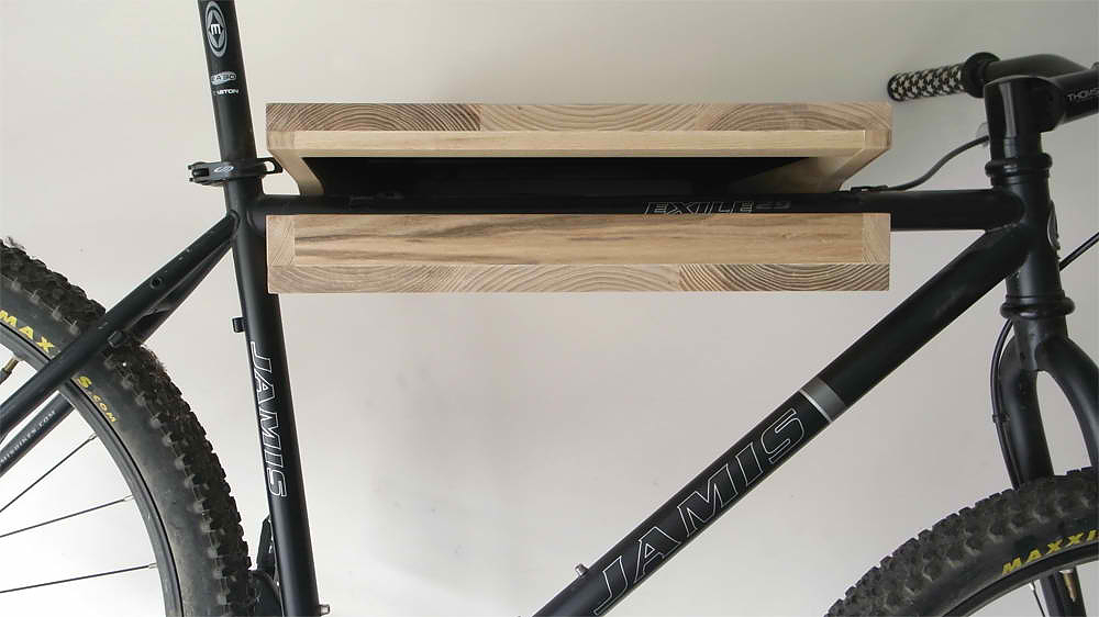 The bike shelf by knife saw design is this Bicycle bookshelf
