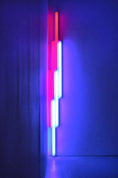 Ψηφιακή έκθεση με έργα του Dan Flavin.