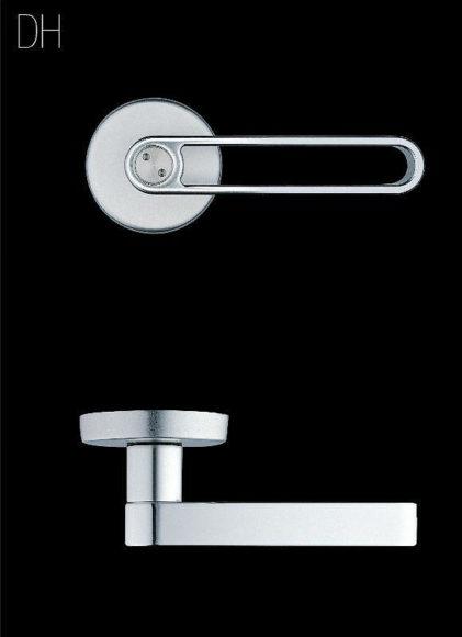 Design xερούλια πόρτας από τον Marc Newson και την Matali Crasset για την erreti.