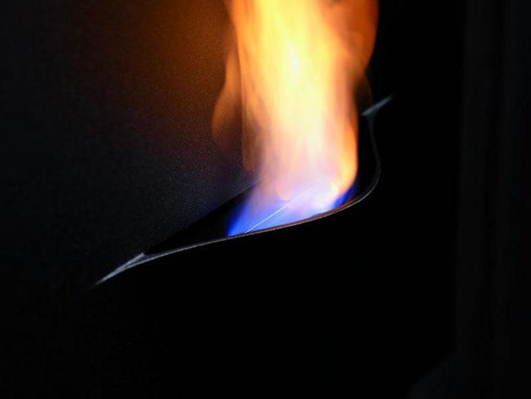 Safretti Gaya, τζάκι ή πίνακας ζωγραφικής με φωτιά?
