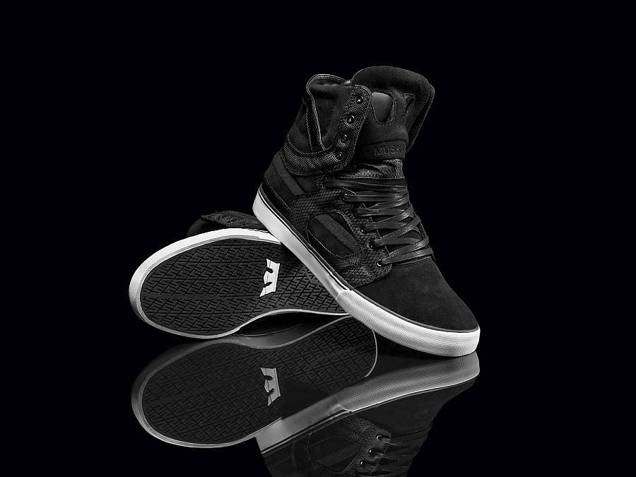 Leather Men's Sneakers Skytop II by Supra.