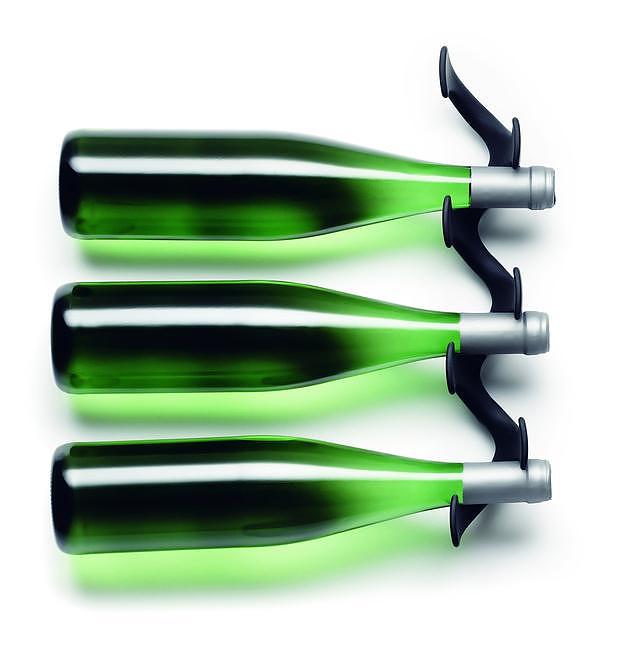 menu wine rack by jakob wagner design is this. Black Bedroom Furniture Sets. Home Design Ideas