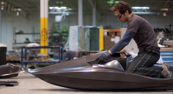 Green Samba, ένα ηλεκτρικό Jet Ski από Carbon Fiber.