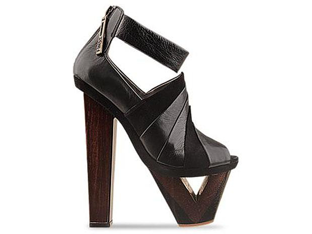 Architecture Inspired Shoes. Finsk by Julia Lundsten.
