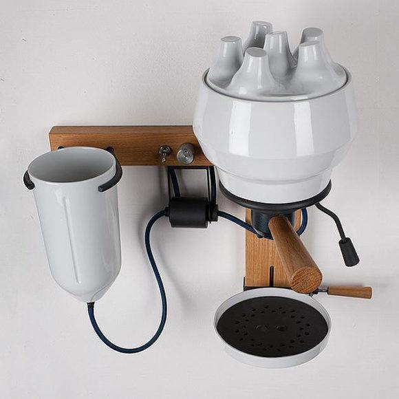 Μηχανή εσπρέσο από πορσελάνη του Arvid Häusser.