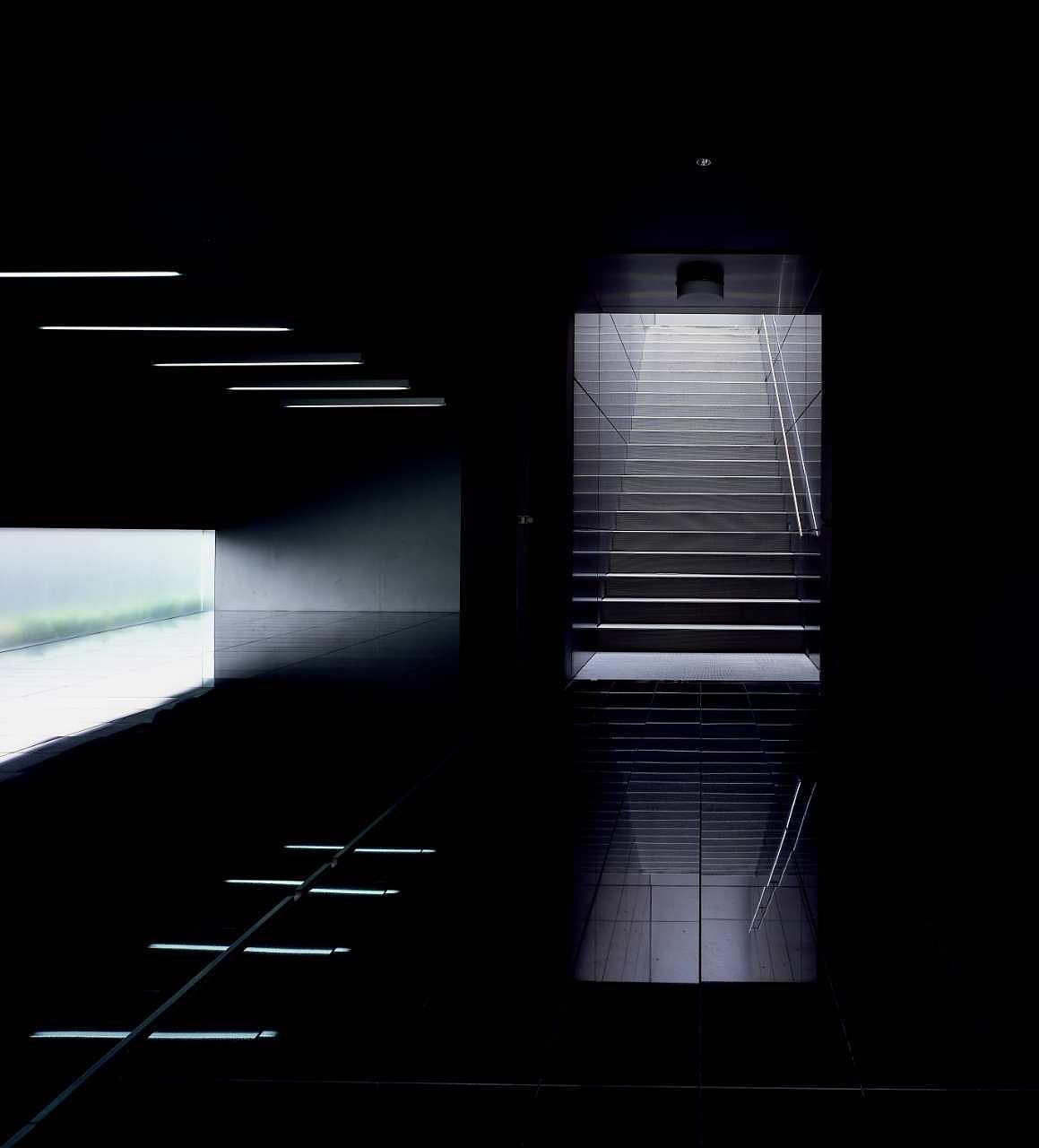 Σιωπηλή αρχιτεκτονική από τον Takashi Yamaguchi.