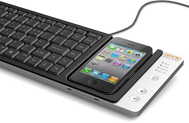 Omnio WOW-Keys iPhone enabled keyboard doubles as a Charging Dock.
