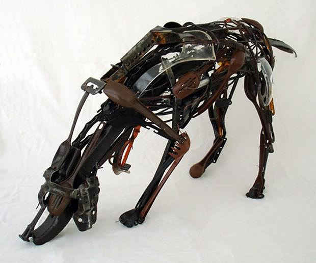 Amazing animal sculptures made of salvaged plastic by Sayaka Ganz.