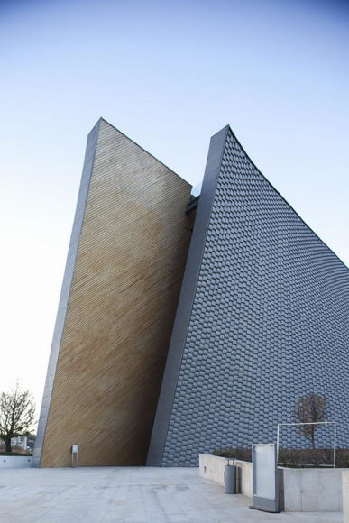 Μοντέρνα αρχιτεκτονική εκκλησίας από τον Javier Sordo Madaleno Bringas.