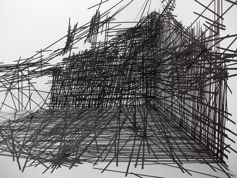 Έργα τέχνης από κολλητική ταινία της Monika Grzymala.