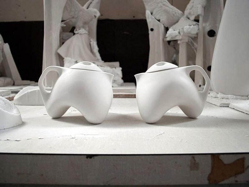 Tripot Teapot by Matthew Pauk.