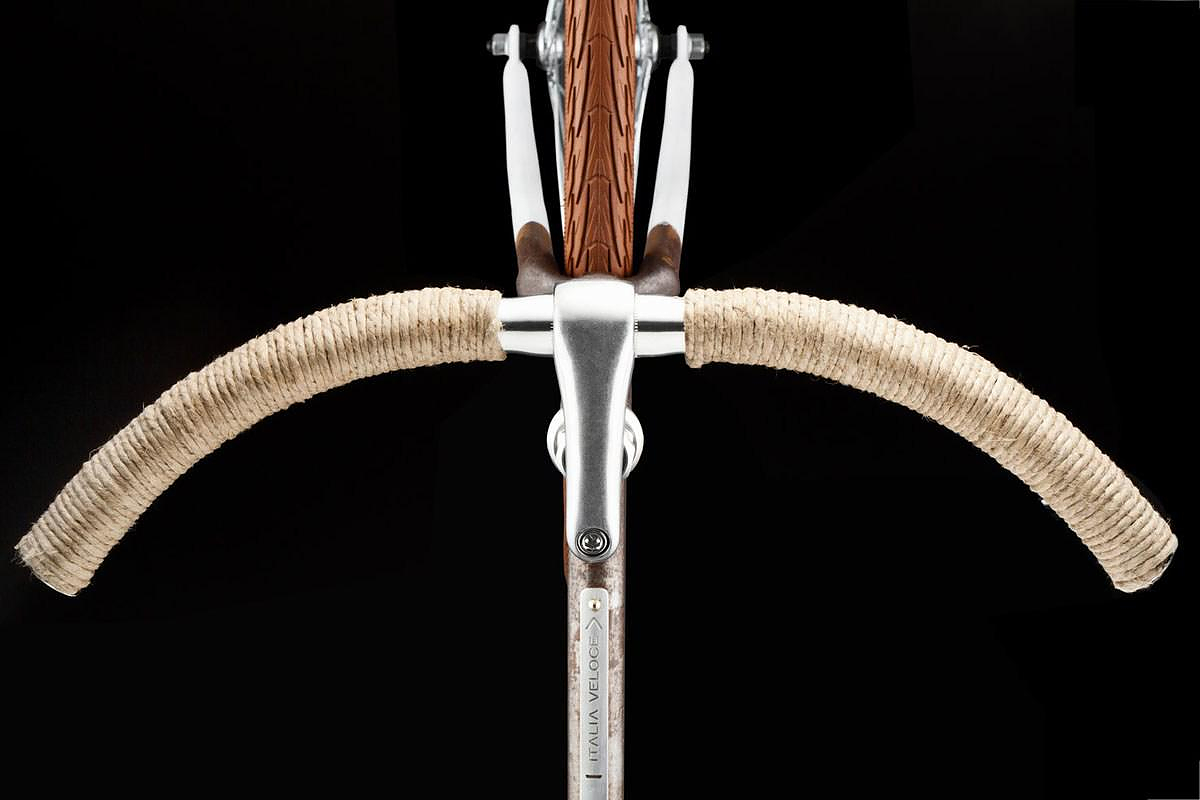 Italia Veloce Tailored Retro Bikes, a work of Italian craftsmanship.