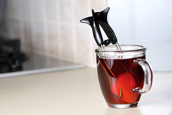 Dreamfarm Teafu Squeeze Tea Infuser.
