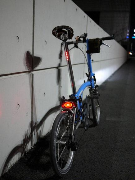 LightSKIN ενσωματωμένα φώτα ποδηλάτου LED.