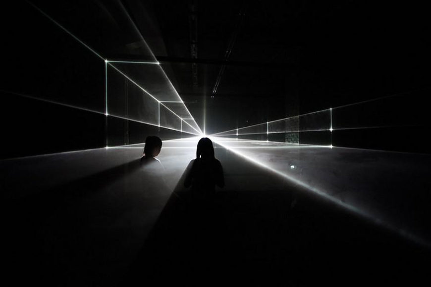 Vanishing Point αρχιτεκτονικό σχέδιο με laser από τους United Visual Artists.