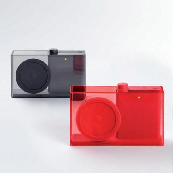 Flow – ένα μινιμαλιστικό, διαφανές ραδιόφωνο από τον Philip Wong για την Lexon.