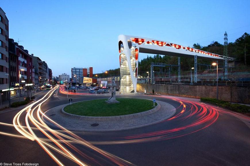 Η πεζογέφυρα της πόλης Esch sur Alzette στο Λουξεμβούργο.