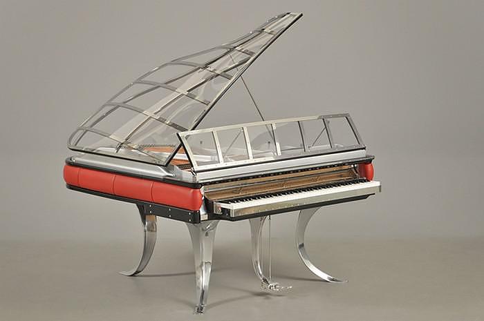 Το απίθανο πιάνο του Poul Henningsen.