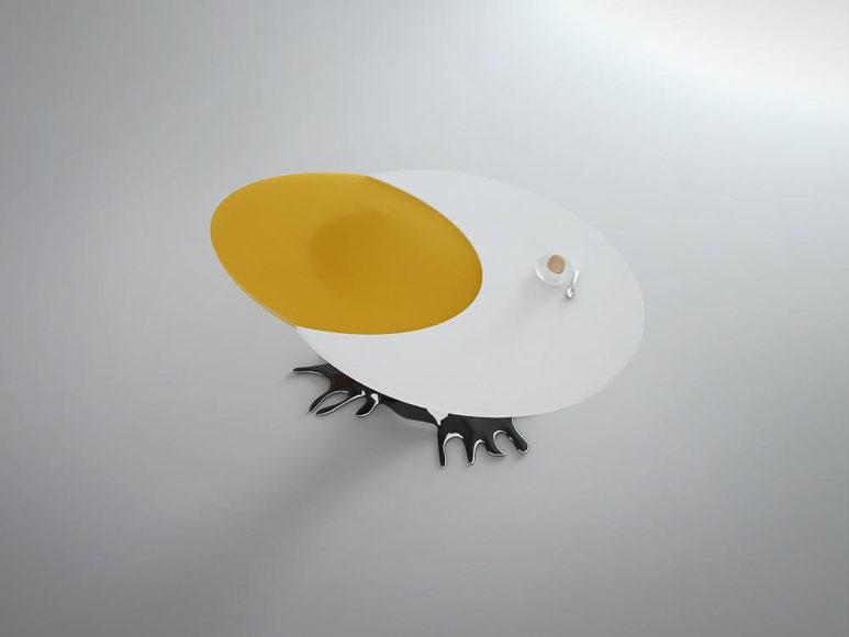 Τραπέζι Egg με σχήμα αυγού και πολύ χιούμορ.