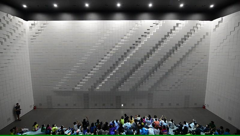 Hyper Matrix: Μία εκπληκτική κινούμενη εγκατάσταση media.