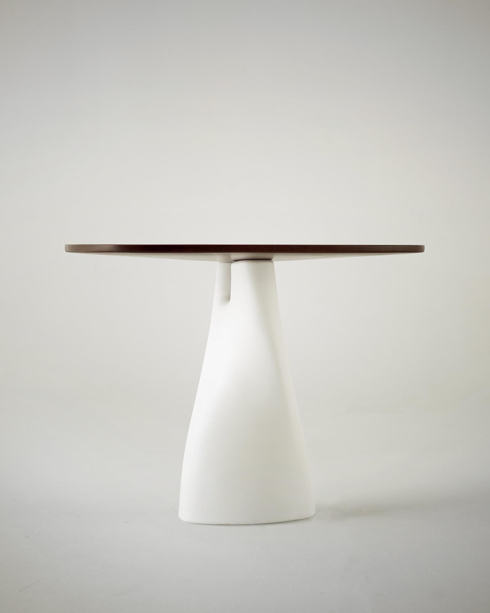 Treeangle a table/vase fusion by Anna Strupinskaya.