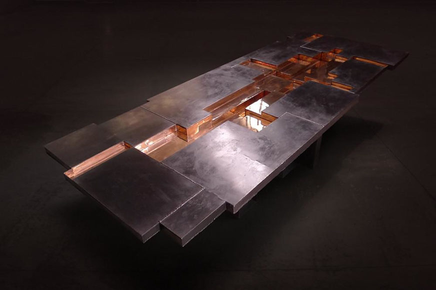 Απολιθωμένα τραπέζια από το Studio Nucleo.