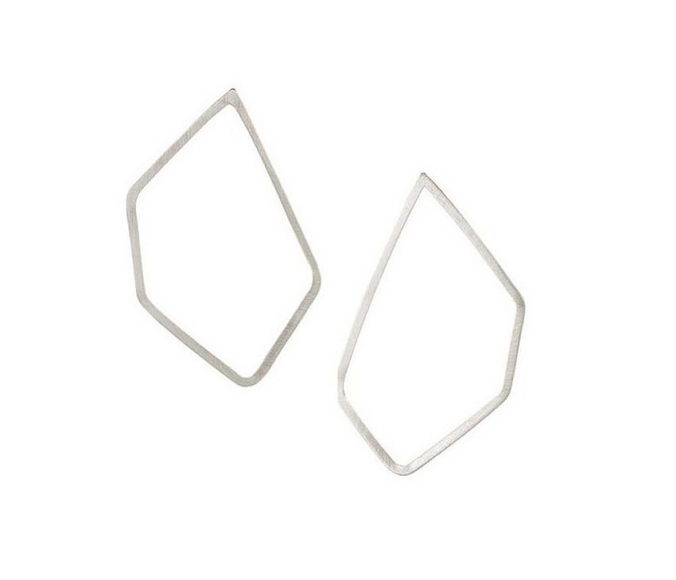 Γεωμετρικά κοσμήματα από την Vanessa Gade.