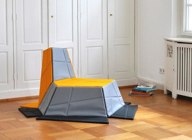 Yona armchair / carpet by KIESER SPATH Studio.