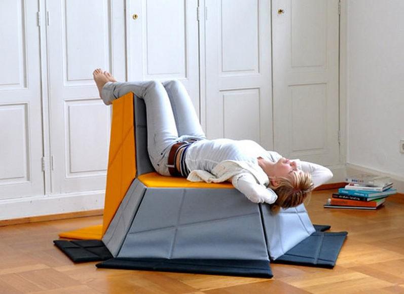 Πολυχρηστική πολυθρόνα Yona από το KIESER SPATH Studio.