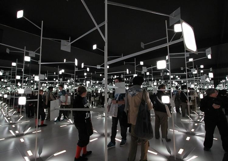 O Naohiko Mitsui παρουσίαζει την Εξέλιξη του Φωτισμού: τα OLED πάνελ.