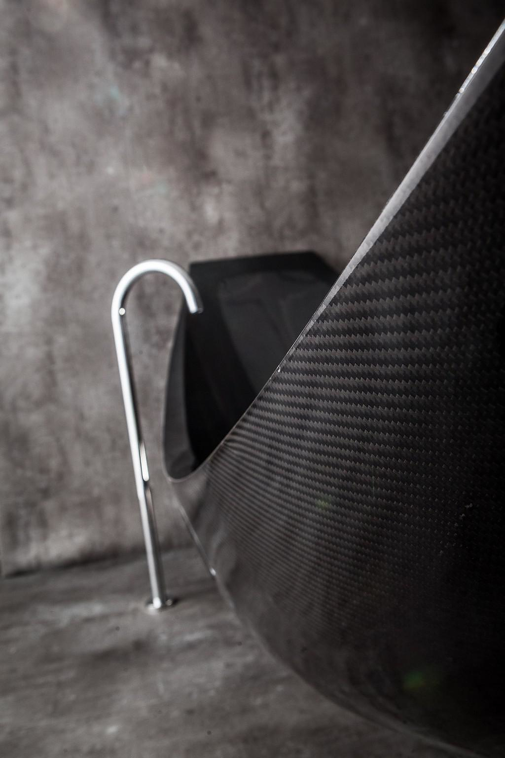 Vessel carbon fiber bathtub by splinter works design is for Carbon fiber hammock bathtub