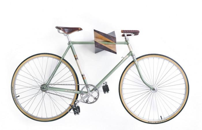 Iceberg wooden bicycle wall hanger Woodsticks (1)