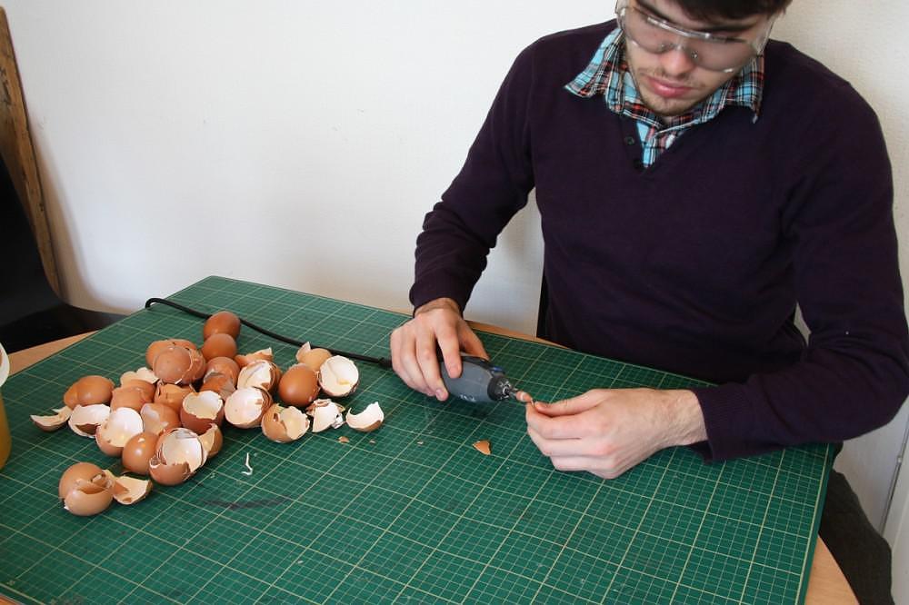 Chicken Sculpture Made From Eggshells by Kyle Bean.