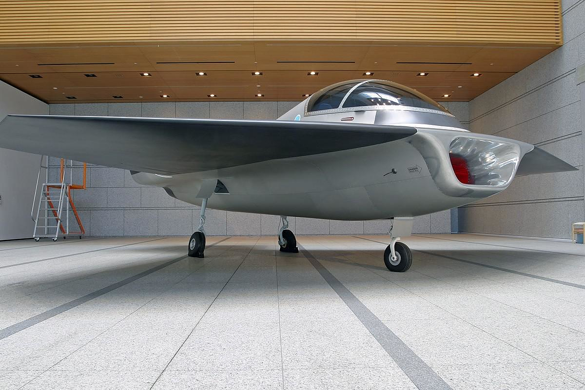 Kelvin 40 Jet Concept by Marc Newson.