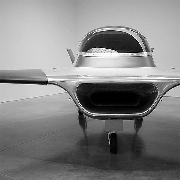 Το φουτουριστικό Τζετ Kelvin 40 του Marc Newson.
