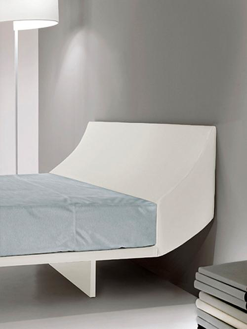 SlipinSleep bed by Massimo Tassone for Pallucco.