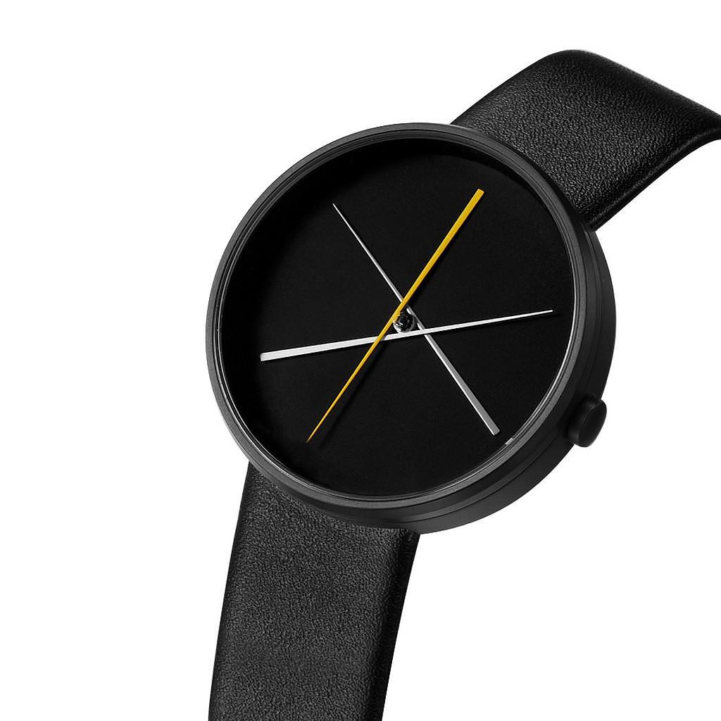 Ρολόι Χειρός Crossover του Denis Guidone για την Projects Watches.