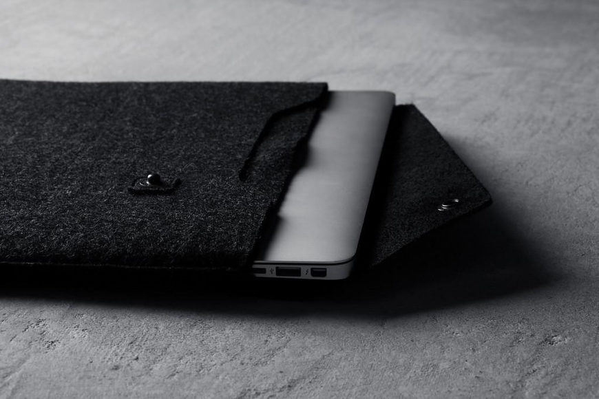 Μίνιμαλ Δερμάτινες Θήκες για Συσκευές Apple από τη Mujjo.