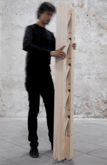 Μια διαφορετική πτυσσόμενη σκάλα από την Company & Company.