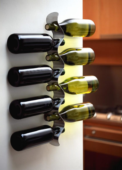 Βάση για Μπουκάλια Κρασιού Flow από τους Black + Blum.