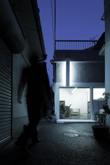 Ένα σπίτι ατελιέ από τον Jun Marata.