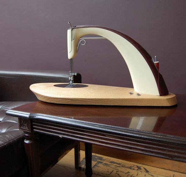 Ραπτομηχανή Alto της Sarah Dickins.