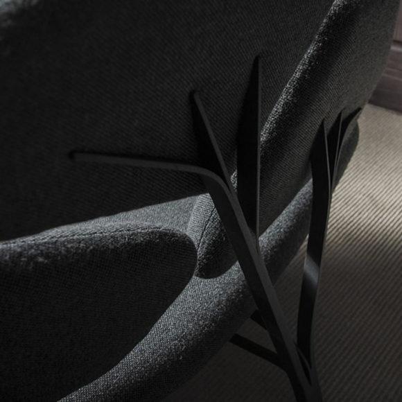 Καναπές & Τραπέζι Borghese του Noé Duchaufour Lawrance για τη La Chance.
